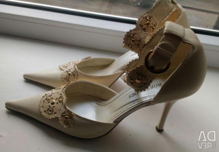 BOETTOOES παπούτσια