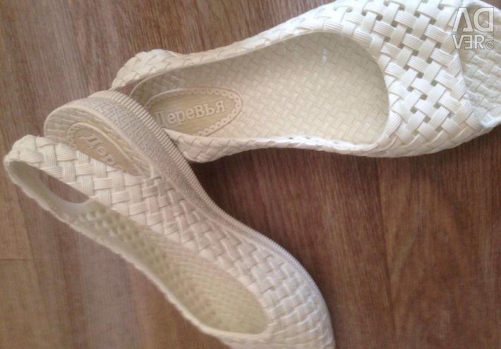 Plaj ayakkabıları p35-36
