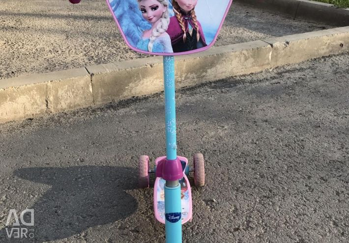 Scooter cu trei roți inima rece (Elsa și Anna)