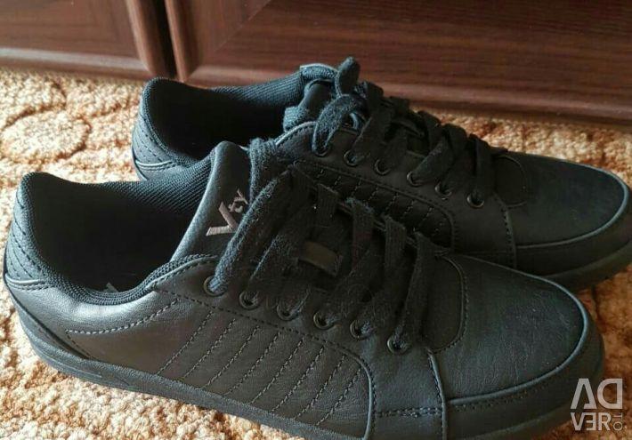 Θα πωλούν αθλητικά παπούτσια από τη Γερμανία
