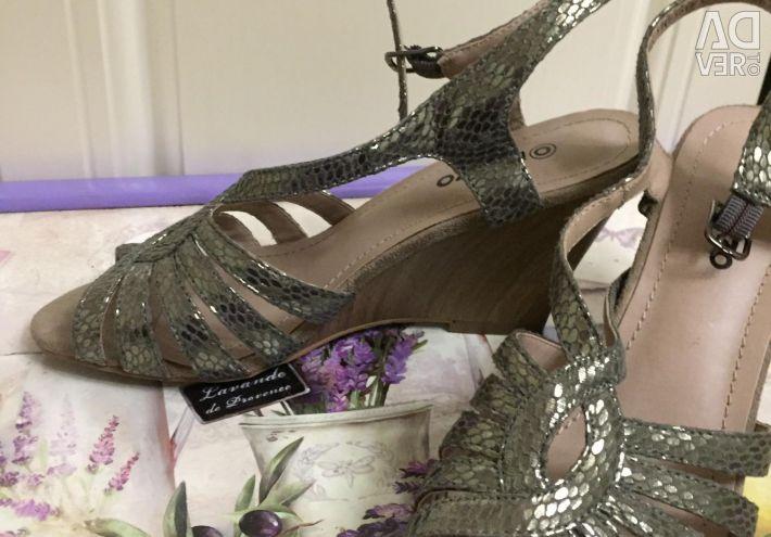 Sandals 37