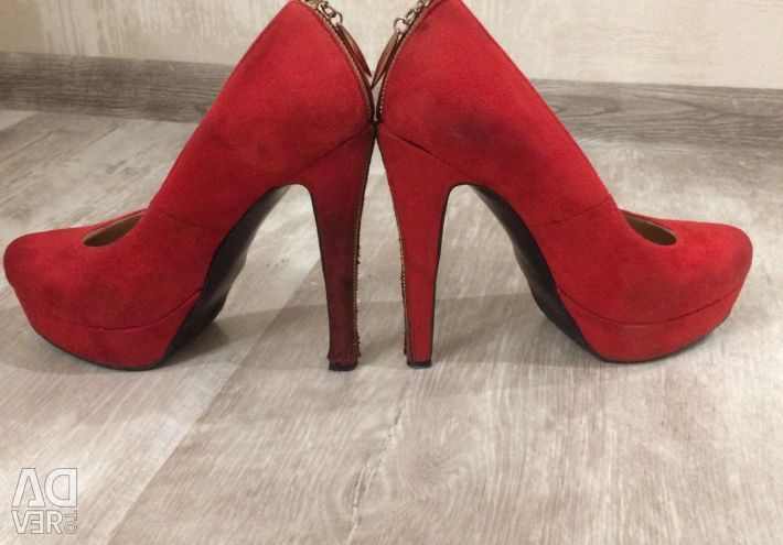 Shoes used 38 size
