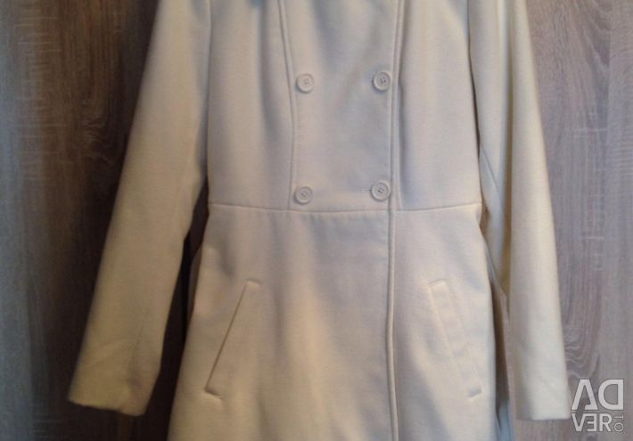 Light overcoat, size M.