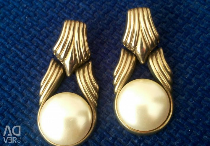 Earrings imitation jewelry
