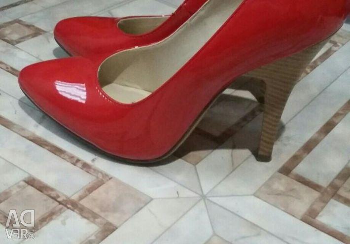 Παπούτσια κόκκινο βερνίκι ποταμού 36-37 νέα