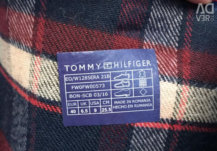 Tommy Hilfiger botlar, sezon sezonu