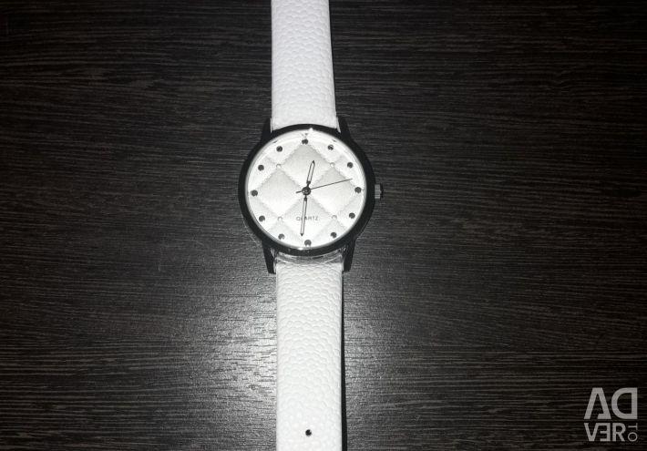 Годинники.