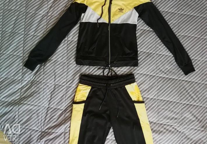 Costume sportive originale adidas