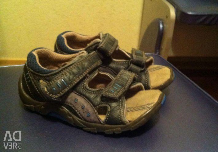 Sandals solution 23