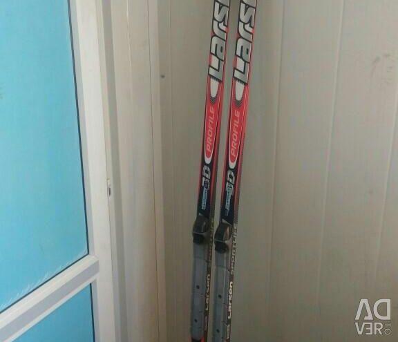 Skiing and sticks LARSEN