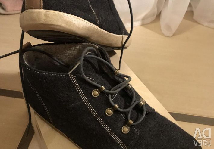 Fred Perry Boots