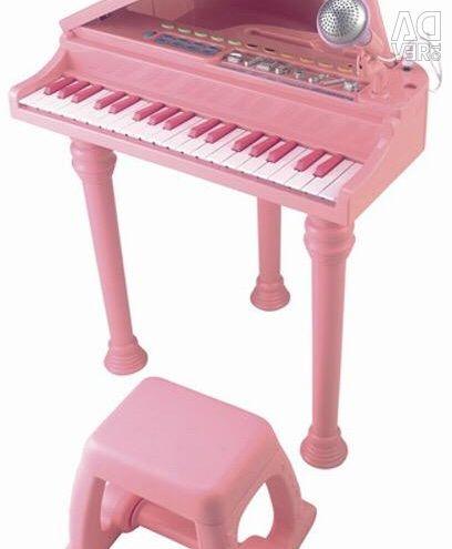 Детское пианино с микрофоном и стульчиком