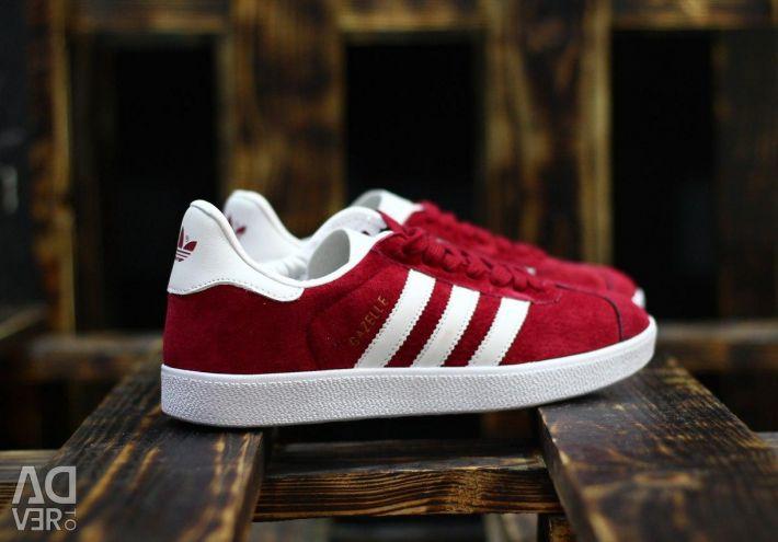Adidas Gazelle roșu!