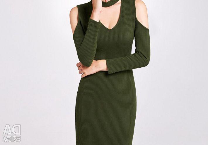 Νέο φόρεμα με ασυμμετρία
