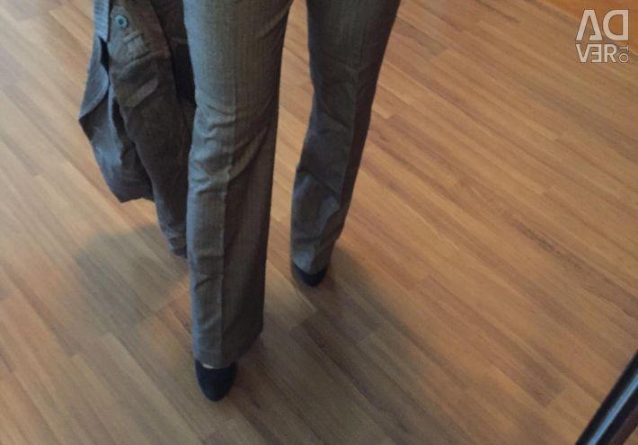 Το κοστούμι είναι κλασικό