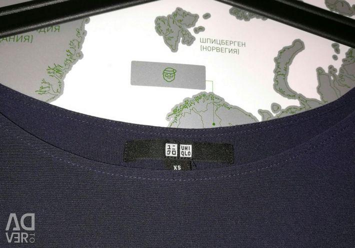 Блузка uniqlo синього кольору розмір xs