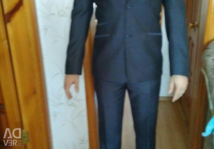 Men's suit size 46