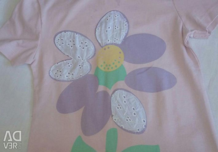 T-shirt for girls on the growth of 122-128