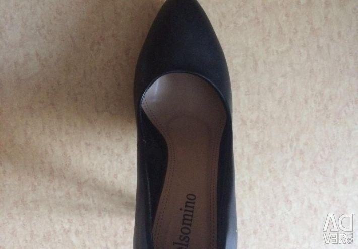 Туфли из натуральной кожи в идеальном состоянии