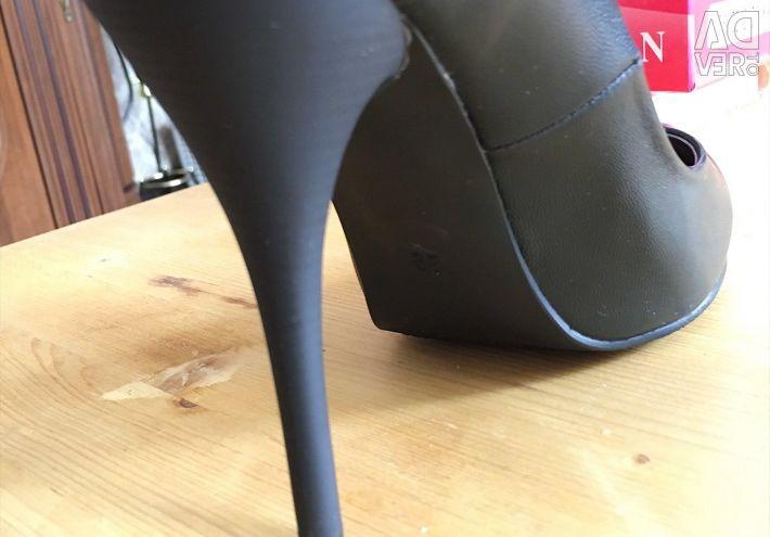 Female shoes Karolina