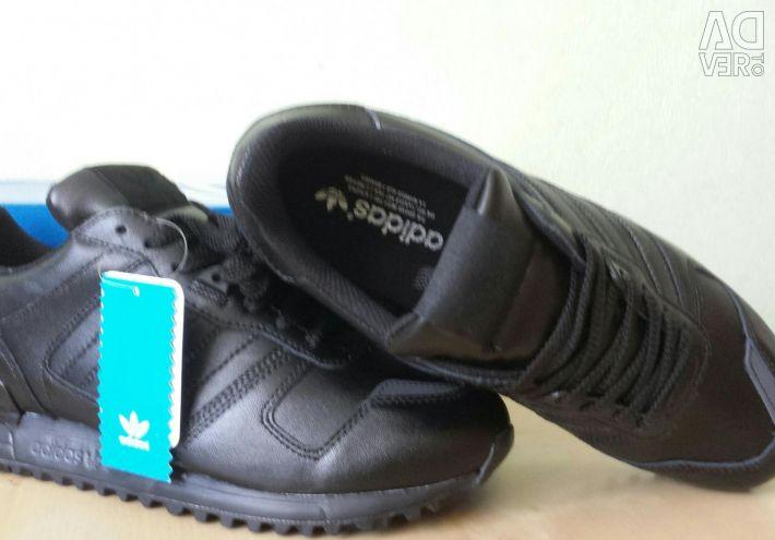Кросівки Adidas ZX 700 Нові