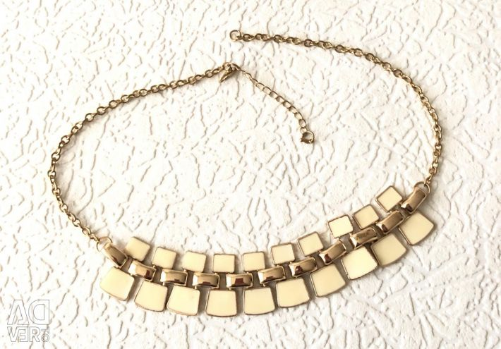 Gold necklace with enamel