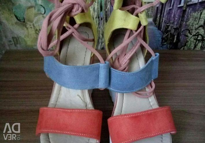 Sandale 36 mărime