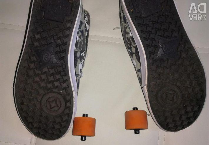 Roller Sneakers