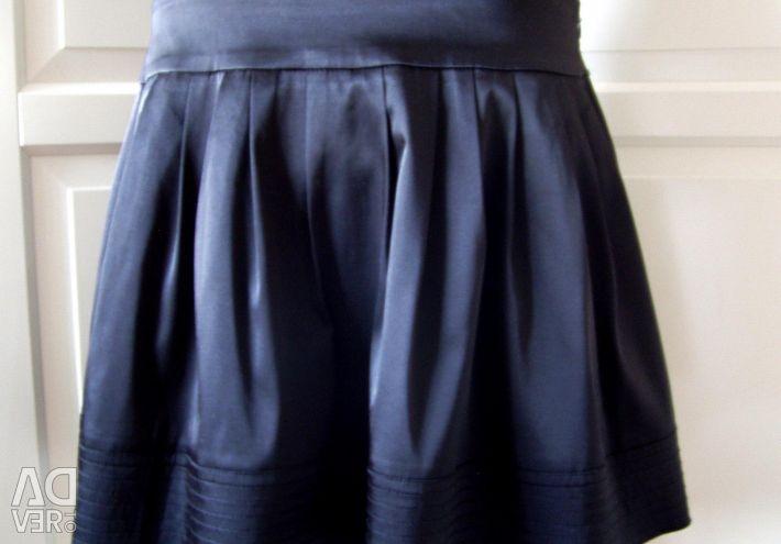 Μαύρη σατέν φούστα σ. 48