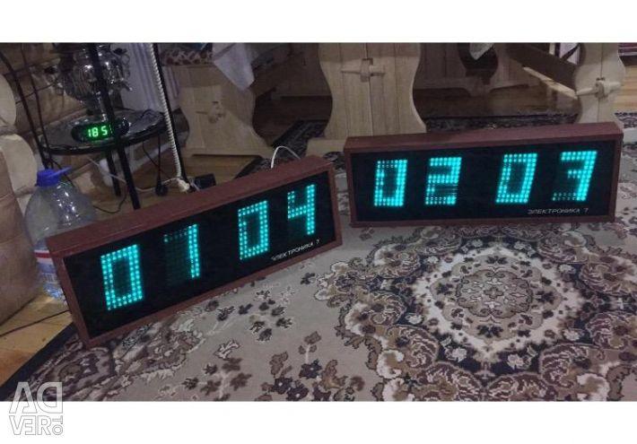 Часы электроника 7 , в наличии 2 шт.