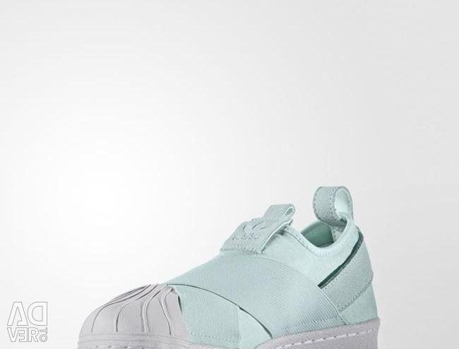 Νέα αθλητικά παπούτσια nike, adidas.