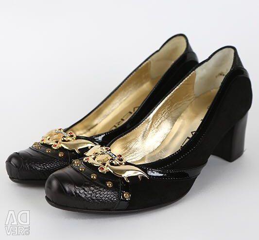 Pantofi italieni cu dimensiunea 38