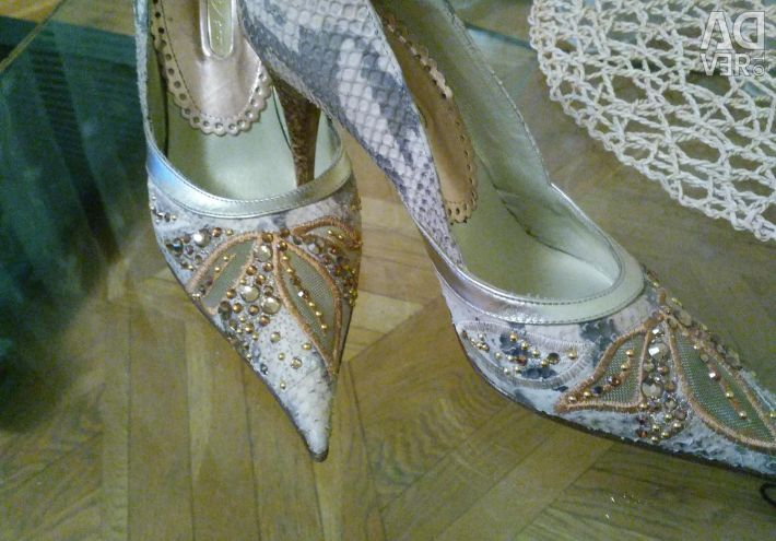 Exclusive shoes from python and stones Swarovski