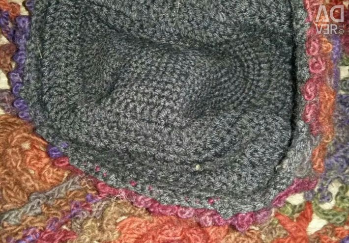 Hat and scarf. Handwork.