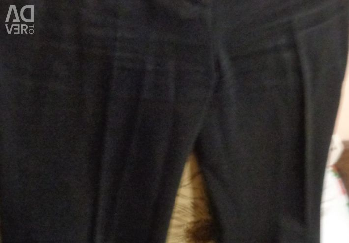 Брюки і джинси