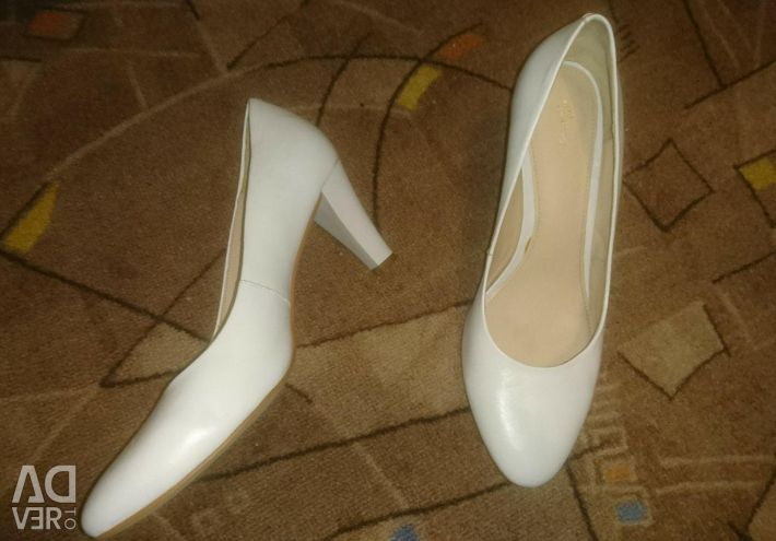White wedding shoes 38 size