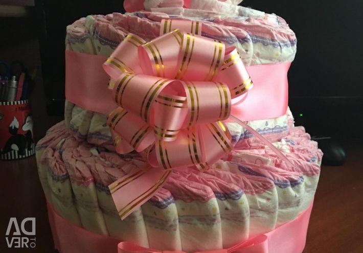 Торты из памперсов и сладостей