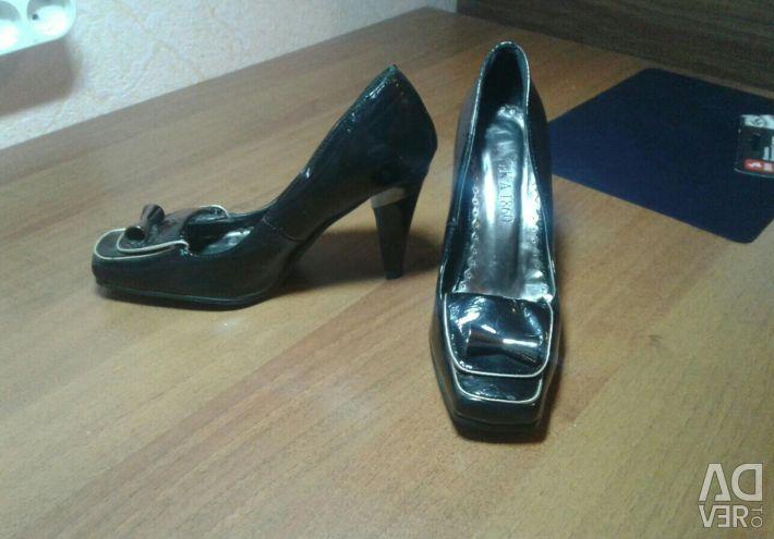 Туфлі 37размер нові