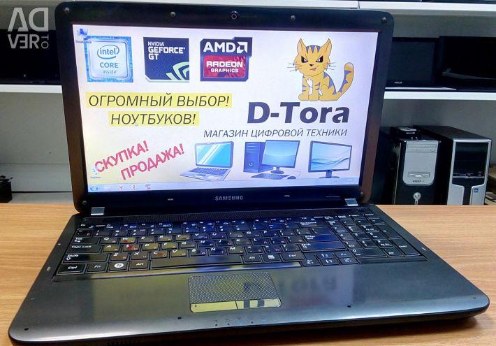Samsung Laptop Powerful AMD 4 core