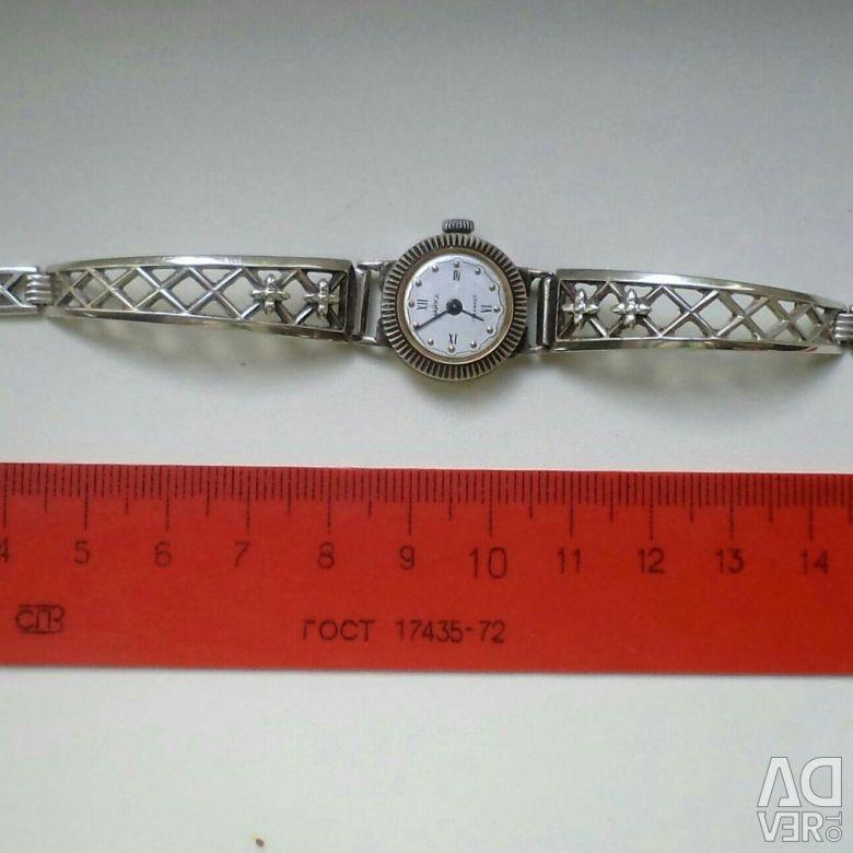 Часы чайка серебряные продам часов quinting стоимость