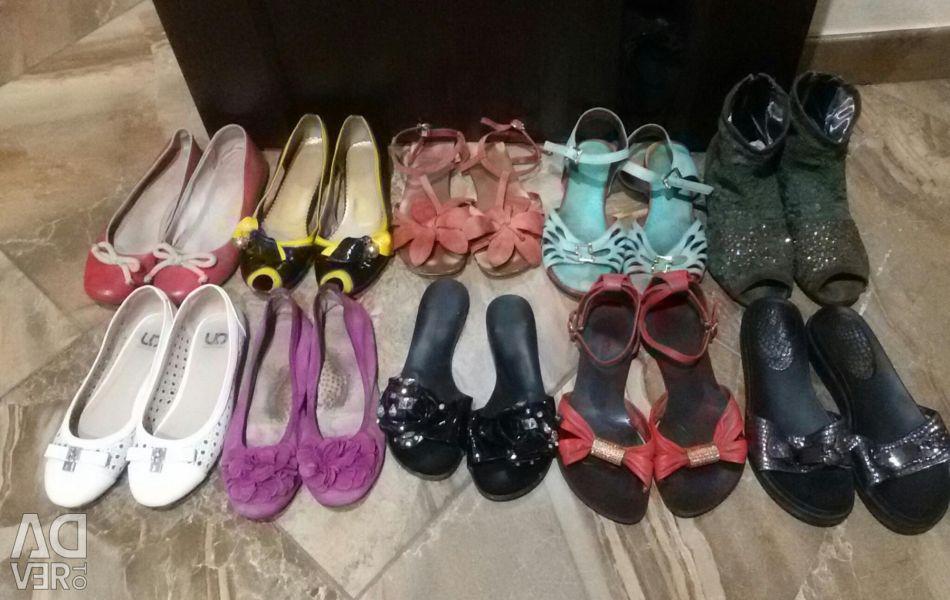 Ballet shoes, sandals 250-300 rub