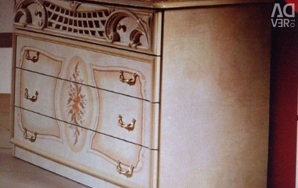 Chest of drawers, white with gold pattern