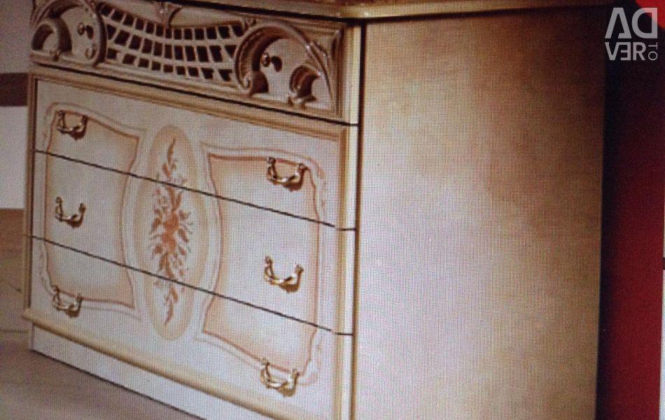 Комод, білий з золотим малюнком