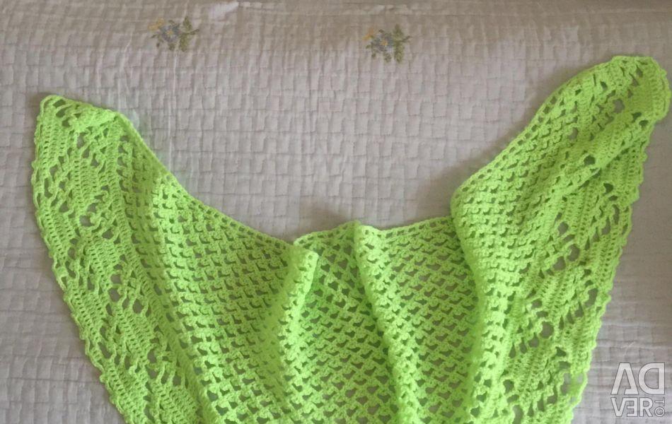Вязанный вручную платок для девочек