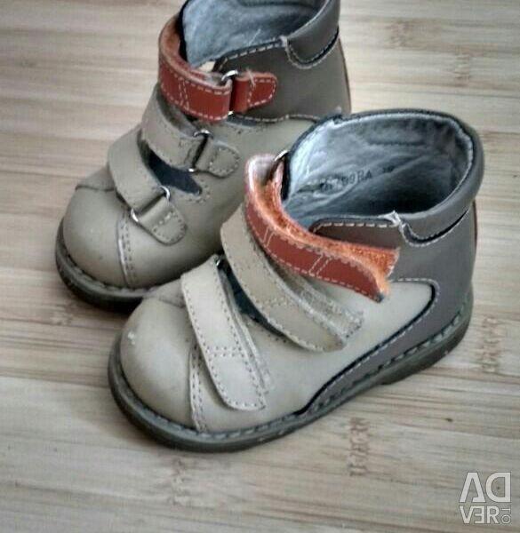 Ортопедические сандалии 19 р-р