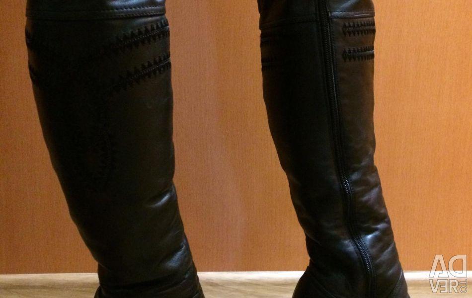 High boots p 36-37