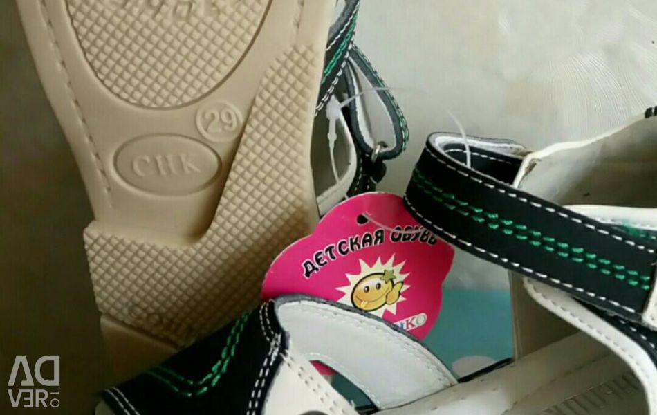 Sandale piele nouă 25 26 29 30