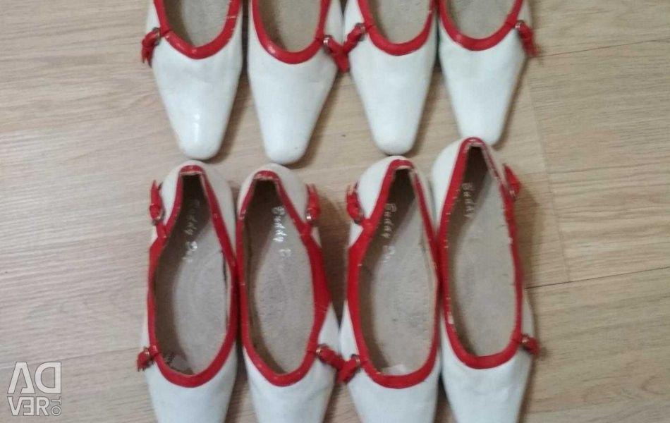 Children's shoes p. 32,34,35,36