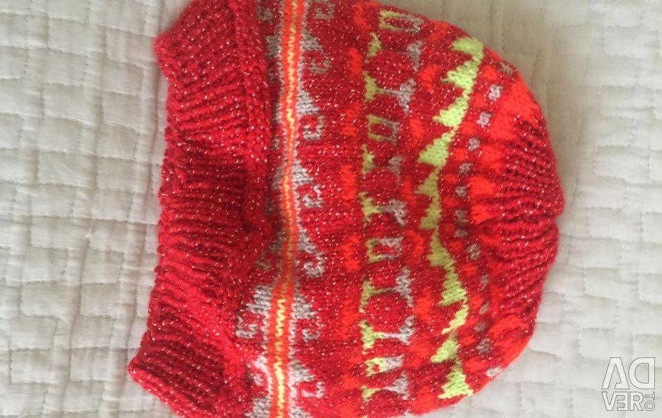Вязанный вручную шапка для девочек.