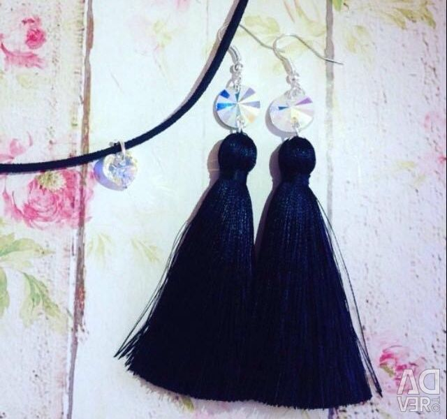Earrings and pendants! Color is black!